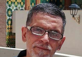 ورد على قبر الغريب/ بقلم: ادريس سراج ( فاس– المغرب)