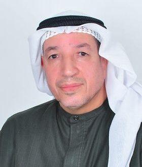 السيرة الذاتية والأدبية للشاعر والكاتب البحريني محمد أبو حسن