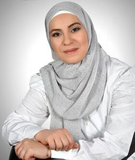 السيرة الذاتية والأدبية للشاعرة والأديبة والاعلامية السورية  نوار أحمد الشاطر
