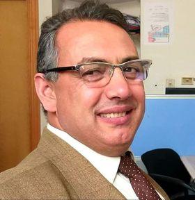 السيرة الذاتية والأدبية  للشاعر والكاتب المصري الدكتور  عايدي جمعة