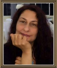 السيرة الذاتية والأدبية للشاعرة اللبنانية فاطمة منصور
