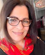 السيرة الذاتية والأدبية للكاتبة اللبنانية إخلاص فرنسيس